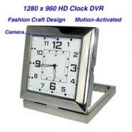 Стильные настольные часы со скрытой видеокамерой.